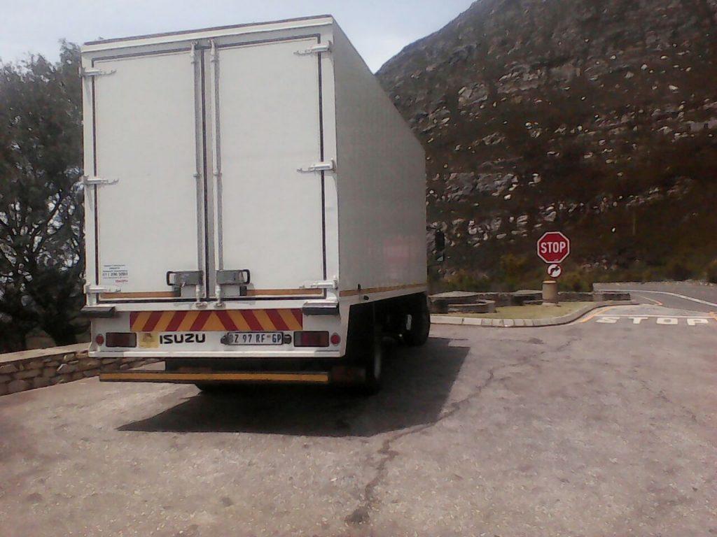 www.vuyanitrans.co.za/furniture-removals-8-ton