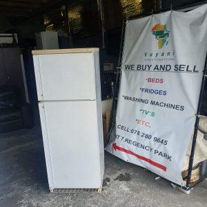 www.vuyanitrans.co.za/product/Kelvinator-322L-fridge-freezer