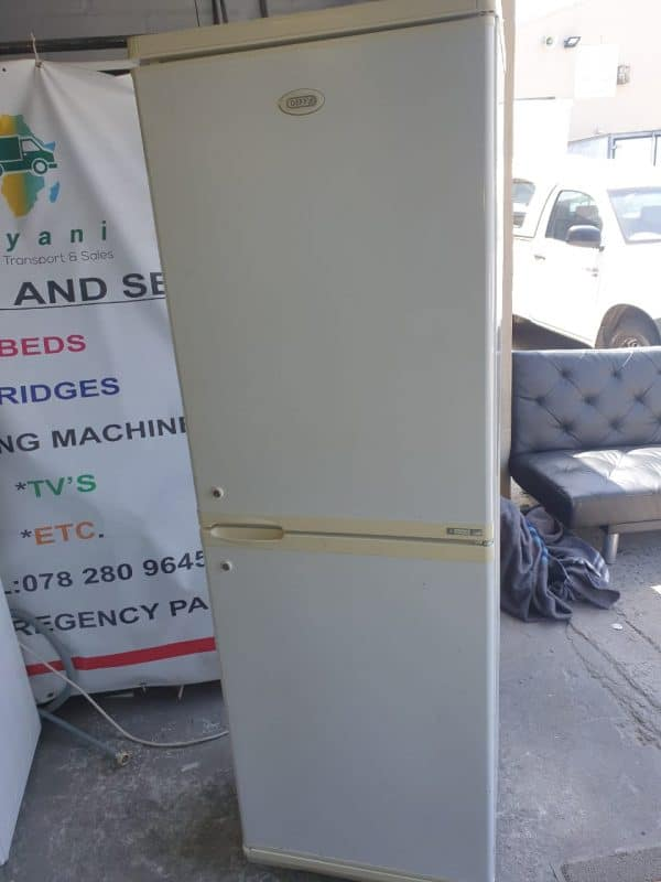 www.vuyanitrans.co.za/products/white-defy-fridge-freezer
