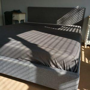 www.vuyanitrans.co.za/products/queen-mattress&-sleigh-base