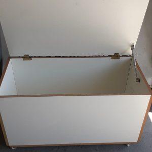 www.vuyanitrans.co.za/products/wooden-kist/storage-box
