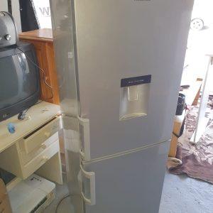 www.vuyanitrans.co.za/products/silver-hisense-fridge-freezer