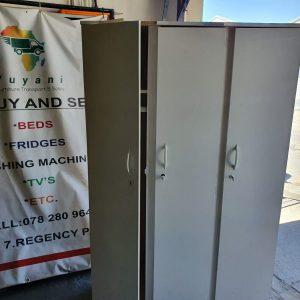 www.vuyanitrans.co.za/products.3-door-white-wardrobe