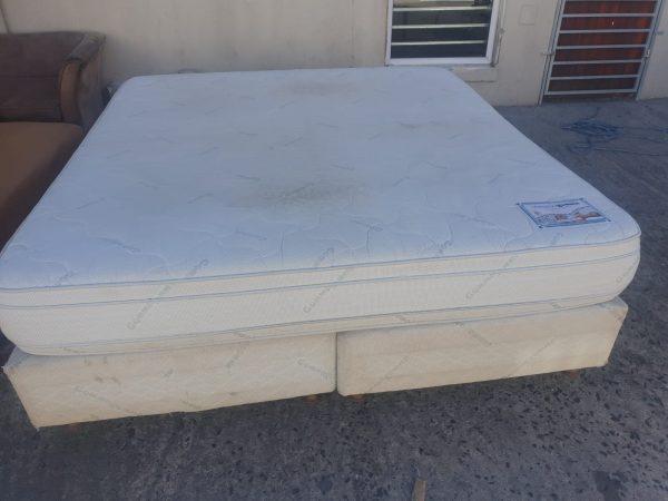 www.vuyanitrans.co.za/product/King-size-mattress-with-bases