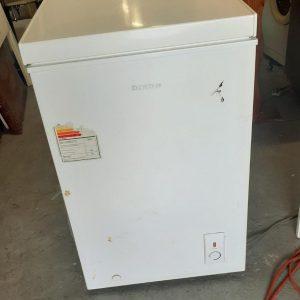 www.vuyanitrans.co.za/product/dixon-130L-chest-freezer