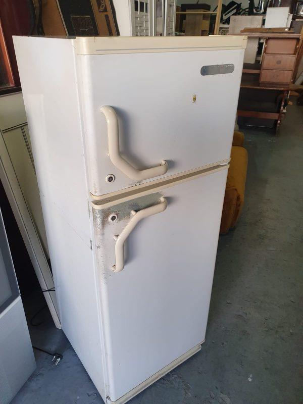 www.vuyanitrans.co.za/product/White-Kelvinator-fridge