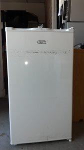 www.vuyanitrans.co.za/product/White-defy-bar-fridge